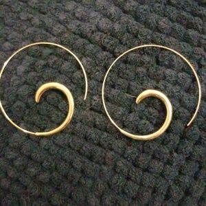 Pull through earrings
